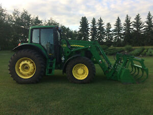 2010 John Deere 7530 Premium Tractor with 741 loader 4470hrs