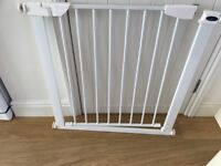 Safety stair gate as new fully adjustable no screws required Suitable for doorways or stairs .