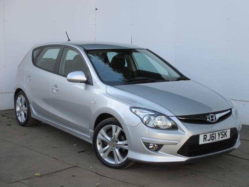 2011 hyundai i30 premium 1 6 crdi diesel silver manual. Black Bedroom Furniture Sets. Home Design Ideas