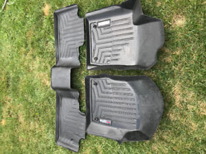 Jeep Grand Cherokee weathertec floor mats front and rear