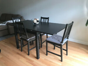 Black brown extandable dining table with 5 chairs