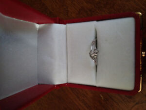 10k white gold ring size 6