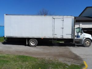 2008 International Moving Van with 26 ft box