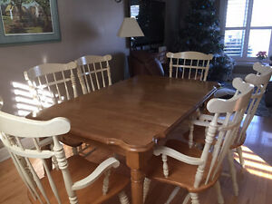 FOR SALE - Harvest Table & Hutch Oakville / Halton Region Toronto (GTA) image 3