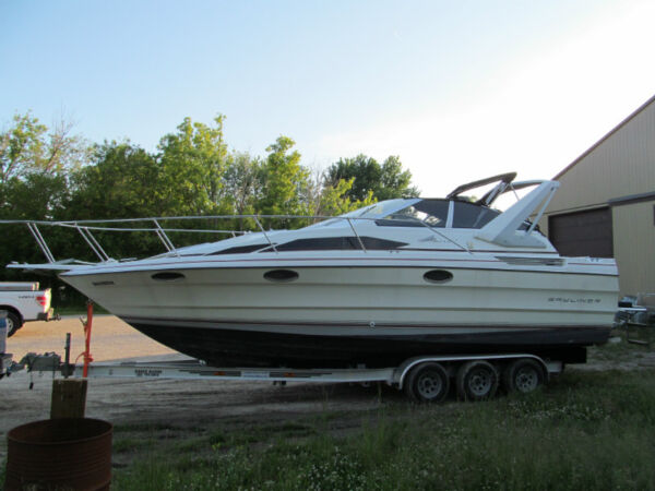 Used 1990 Bayliner 2955 Avanti