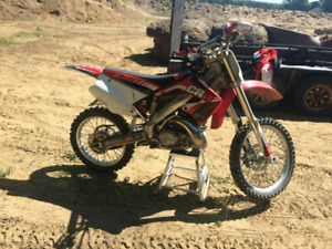 2001 cr 250 with ownership trade for 450