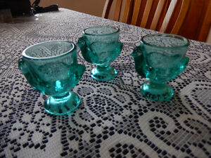 3 vintage Turquoise Chicken egg cups