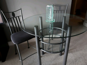 POWDER COATED TABLE AND FOUR CHAIRSS