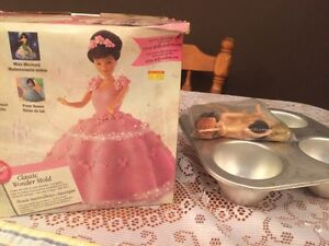 Doll cake pans with doll heads
