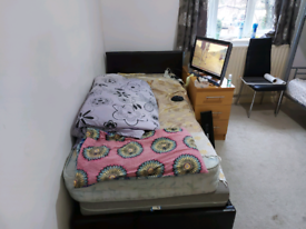 Double Room To Rent Wembley Park Near Tube Station Shops