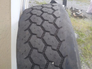 1 Bridgestone Steer Tire 445 by 22.5