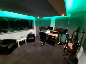 Music producer / Recording Studio
