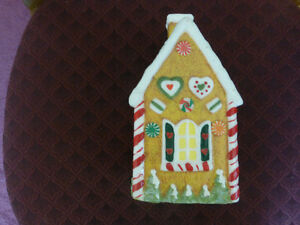 Christmas Gingerbread House Wax Candle - like new condition Kitchener / Waterloo Kitchener Area image 3