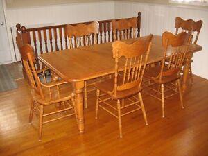 table Gatineau Ottawa / Gatineau Area image 3
