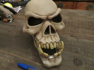 Halloween decorations / Skulls / Candle Holders