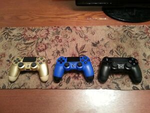 (MINT!) PLAYSTATION PS4 CONTROLLERS FOR SALE