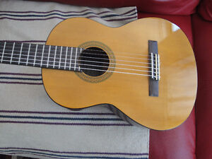 YAMAHA 1/2 SIZE CLASSICAL GUITAR BRAND NEW $140