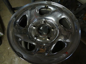 "NEW PRICE!  16"" Chrome Rims $140"