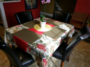 Wood dining table & 5 faux-leather chairs