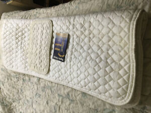 MAGNETIC QUEEN MATTRESS AND PILLOW PAD