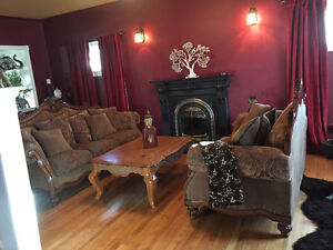 RECENTLY REDUCED.!!!!!!$1300.00.   Amazing  home!!!!