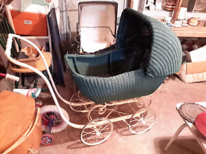 ANTIQUE BABY STROLLER/ CARRIAGE/ TRAM , WICKER FINE CONDITION Kingston Kingston Area image 1