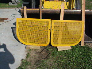 Caterpillar 931 Loader or D3 Side Covers