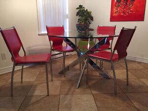 Table à manger ronde en verre + 4 chaises
