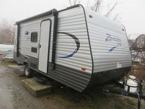 18FT TRAVEL TRAILERS WEIGHING LESS THAN 4,000 LBS.