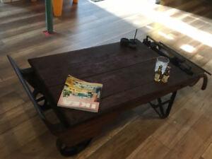 Table de salon antique (balance à grain) négociable