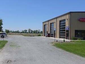 2000 sq. ft. Commercial Unit for Lease Highway Location Stratford Kitchener Area image 4