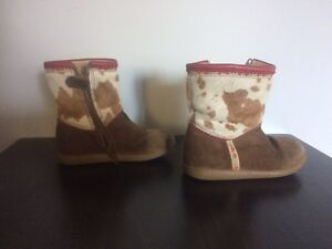 Girls boot size 8