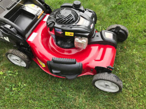 Canadiana 22 Inch Self Propelled Lawnmower