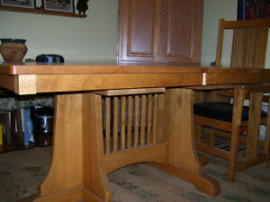 Solid Oak dining table, mission style