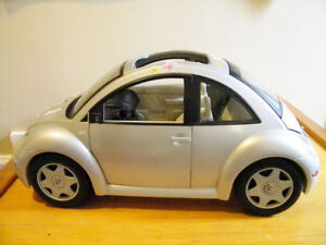 Barbie Volkswagen Bug Hatch Mattel, Silver (2000 model)