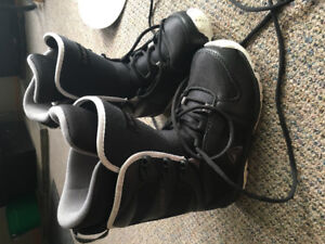Boys 25.0 boots worn twice like new