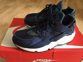 afuoj Nike roshe trainer | in Ealing, London | Gumtree