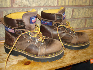 Eagle Scout Sport Hiking Boots boys size 6 Kitchener / Waterloo Kitchener Area image 1