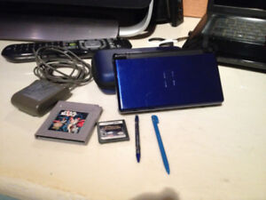 DS LITE 2 GAMES 2 PENS CHARGER AN CASE GREAT SHAPE
