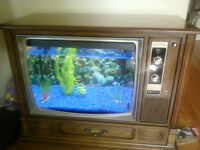 One of a kind! 20 gallon fish tank built in retro wood TV set