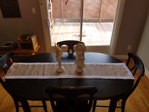 Dining RoomTable and Chairs $200