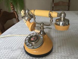 Telephone vintage / antique