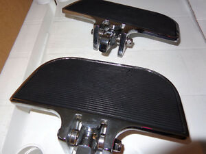 Harley rear pas. floor boards -  recycledgear.ca
