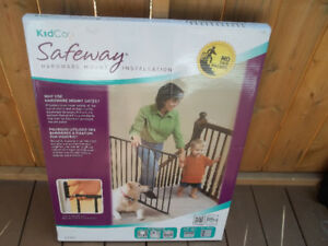 """KidCo Safety Gate """"New"""""""