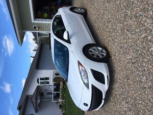 2011 Mazda 3 Sedan - Excellent condition - Lady driven 106,520km