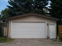double garage near UofC avail March 1