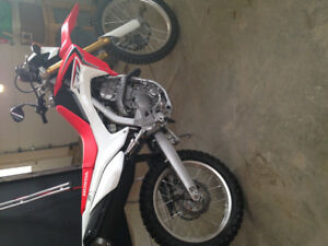 2014 Honda CRF250L amazing shape low kms