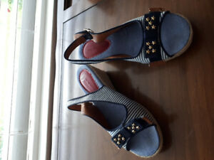Tommy Hilfiger girl's shoes