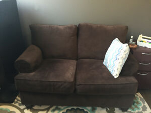 Loveseat/couch 50$