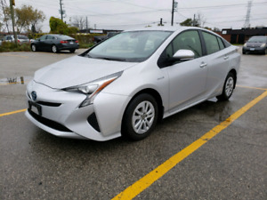 2017 TOYOTA PRIUS HYBRID ONLY 43,900 KMS w/BACK-UP CAM/BLUETOOTH